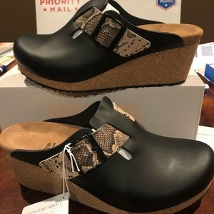 Papillio Fanny Black/snake asst narrow new